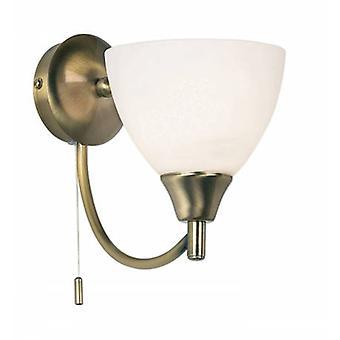 1 Light Wall Light Antique Brass z opalowym odcieniem szkła