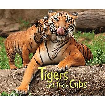 Tigers and Their Cubs - A 4D Book by Margaret Hall - 9781474756402 Book