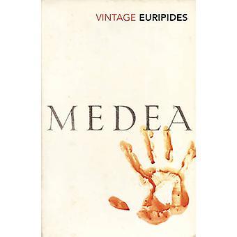Dokonać rezerwacji Medea przez Eurypidesa - Robin Robertson - 9780099511779