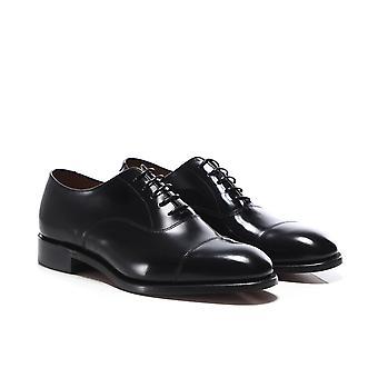 Loake polido sapatos de couro Oxford