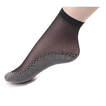 Lightweight women's socks with compression