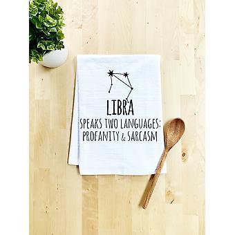 Libra Zodiac puhuu kahta kieltä hävyttömyyksistä ja sarkasmiruokapyyhkeestä
