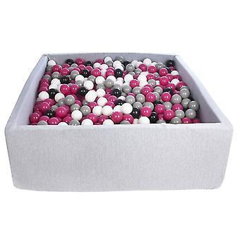 Kwadratowa kulka 120x120 cm z 1200 kulkami czarnymi, białymi, fioletowymi i szarymi