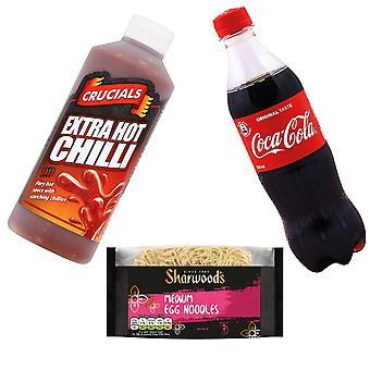 Kit gemaakt van 3 producten   1 x Coca Cola, 1 x Burger Relish, 1 x eiernoedels