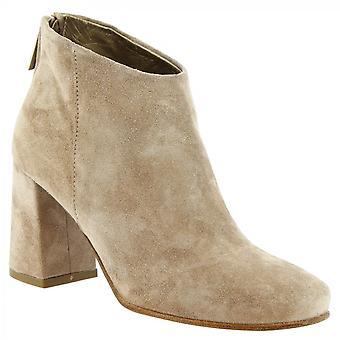 Leonardo Shoes Women's handmade salto tornozelo botas em couro camurça bege