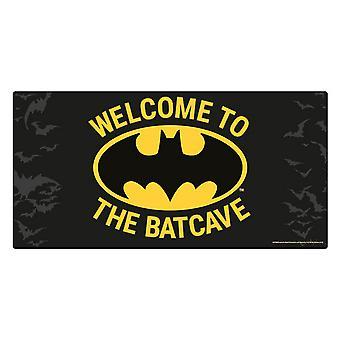Batman tervetuloa Batcave-ovimerkkiin