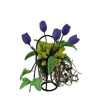 Nukkejen talon violetti &; Vihreä kukkanäyttö mustassa lankakorissa puutarhan lisävaruste