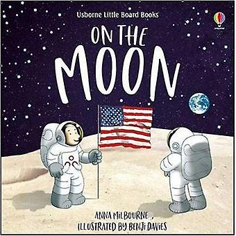 On the Moon by Anna Milbourne - 9781474966658 Book
