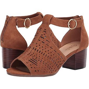 Bella Vita Women's Shoes Finn Leather Peep Toe Casual Ankle Strap Sandals
