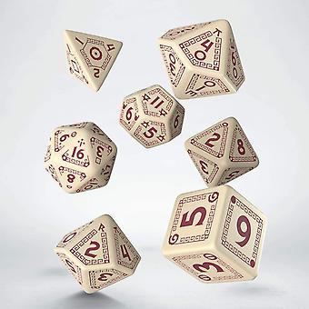 Q-workshop RuneQuest poly 7 beige & Bourgondië dobbelstenen set