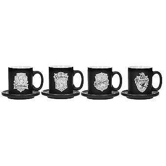 Harry Potter Deluxe Espresso Cups Sæt med 4 med underkopper Hõuser våbenskjold. Farve:sort, trykt, i keramik, ramme ÷gen ca. 150 ml.