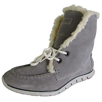 Cole Haan Mujeres Zerogrand Shearling Chukka Lace Up Boot Shoe
