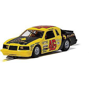 Ford Thunderbird Yellow & Black 1:32 No.46 Scalextric Car