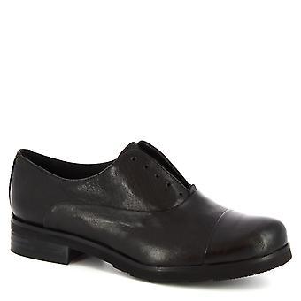 Leonardo Shoes Women's handmade laceless oxford shoes black calf leather
