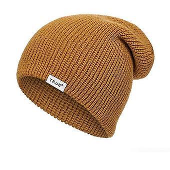 Повседневная вязаная шапочка