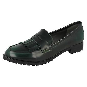 Spot de senhoras nos sapatos mocassim