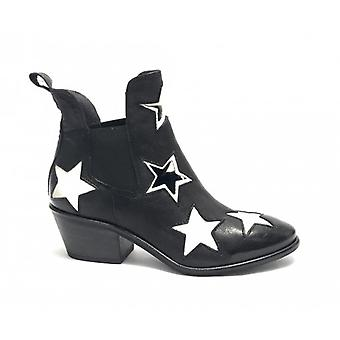 Women's Shoes Gio+ Texan Ankle Boot In Black Leather/ White Ds19gi01