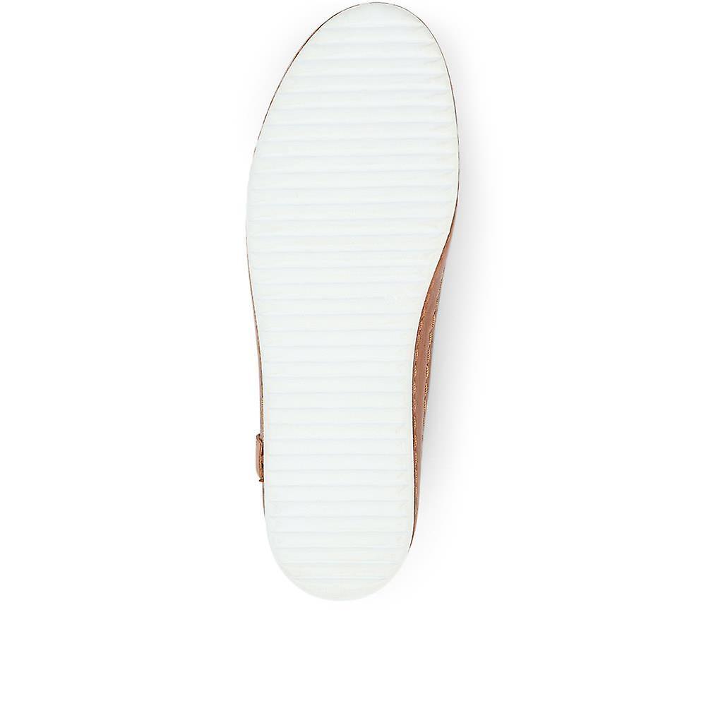 Jones Bootmaker Lula Low-cut Leather Sneaker