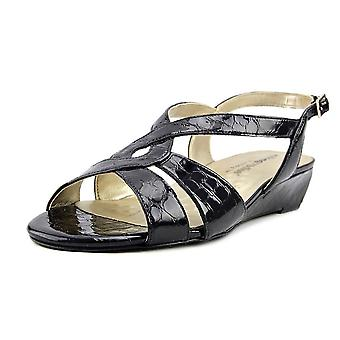 Walking Cradles Womens Dixie Strappy Sandals