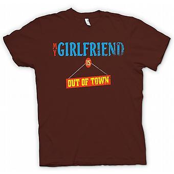 Kids T-shirt - My Girlfriend Is Out Of Town - Joke