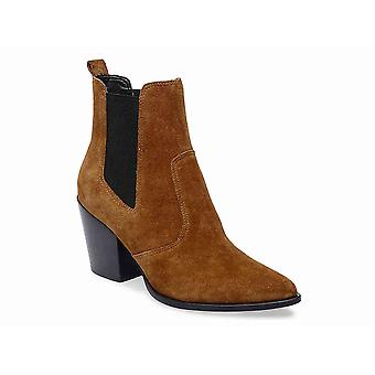 Steve Madden mulheres Patricia couro apontou Toe tornozelo Chelsea Boots