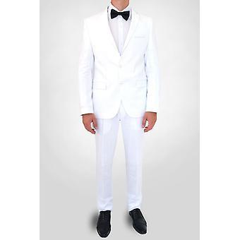 Curved-cut linen suit