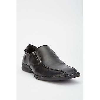 Deslize masculino nos sapatos