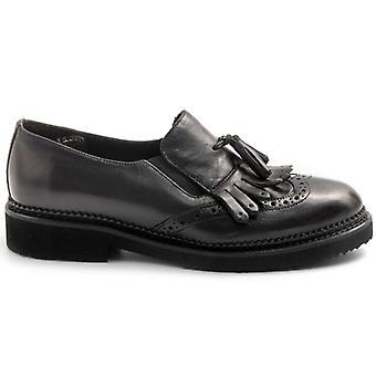 Cuero negro Sangiorgio Slip On con flecos y borlas