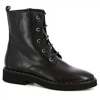 Men's handmade lace-ups boots in black calf leather with side zip