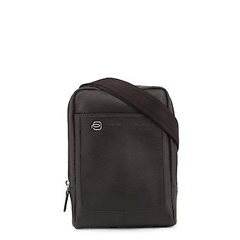 Man piquadro leather handbag p29239