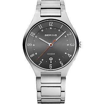 Bering watches mens watch titanium 11739-772
