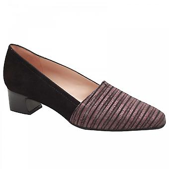 Perlato Low Heel Striped Front Court Shoe