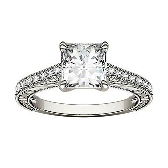 14K White Gold Moissanite-tekijä Charles & Colvard 6,5mm Princess Cut Engagement Ring, 1.74cttw DEW