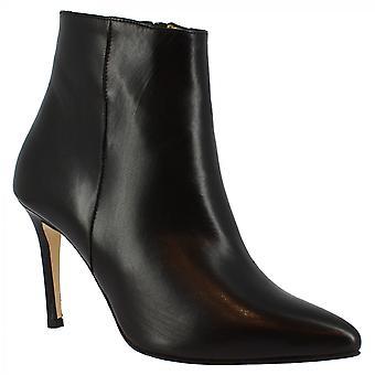 ليوناردو أحذية المرأة اليدوية وأشار إصبع القدم أحذية الكاحل الكعب العالي في جلد العجل الأسود