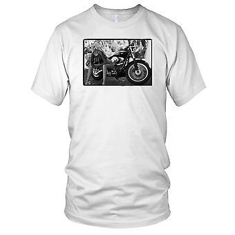 Sexy Mädchen auf klassischen Hog Motorrad Biker Damen T Shirt