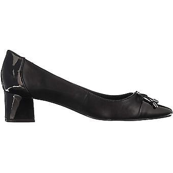 Bandolino Footwear Women's Azia Pump