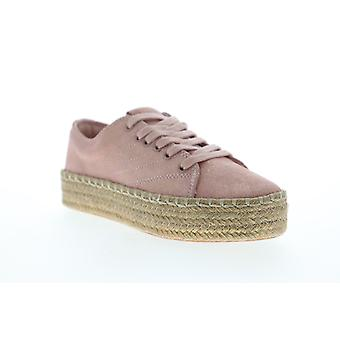 Tretorn Eve 2  Womens Pink Suede Low Top Lace Up Lifestyle Sneakers Shoes