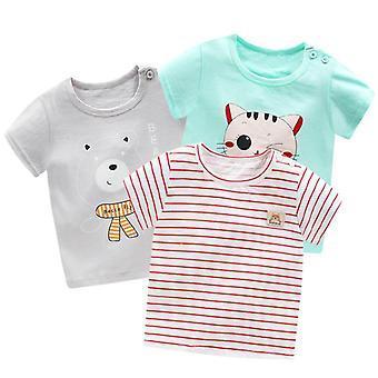 Fiú és rövid ujjú pólók