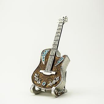 立式小饰品盒上的吉他