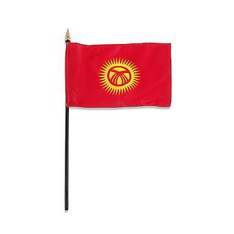 Kirgisistan middels hånd flagg 9 & quot; x 6 & quot;