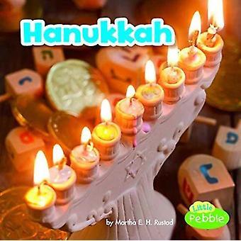 Hanukkah Holidays Around the World by Lisa Amstutz