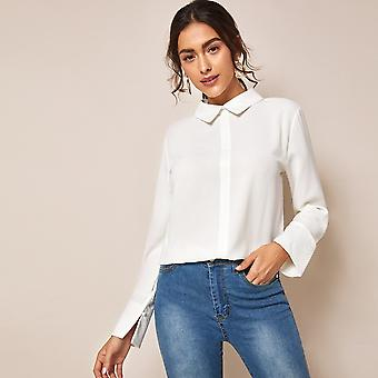 Contrast lace button back solid blouse