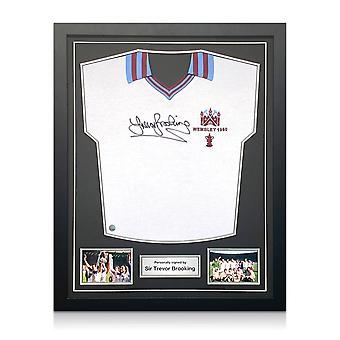 Trevor Brooking heeft het Shirt van West Ham United getekend. 1980 FA Cup. Standaardframe