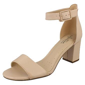 Clarks senhoras salto sandálias Deva Mae