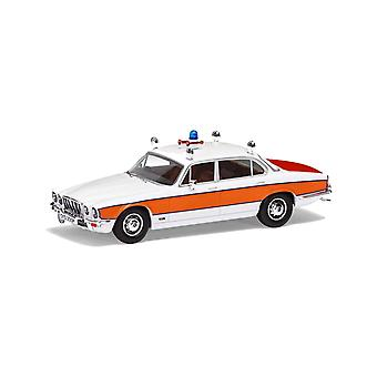 Jaguar XJ6 Series II 4.2 (Avon and Somerset Constabulary 1979) in White (1:43 scale by Corgi VA13901)
