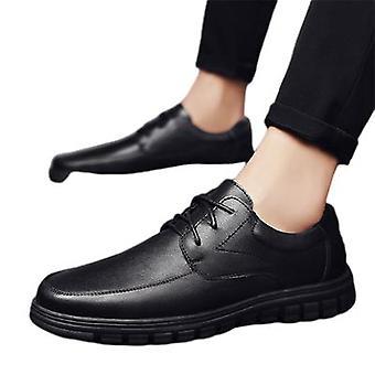 أحذية جلدية صغيرة عارضة أحذية عصرية أحذية رجالية
