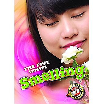 Smelling by Lisa Owings - 9781626177703 Book