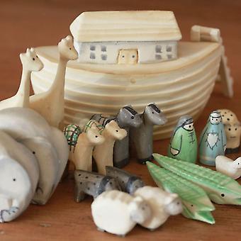 East of India Mini Wooden Noah's Ark and Animals - Baby Keepsake / Christening Present