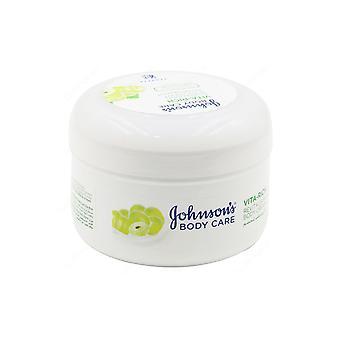 Johnson and Johnson Johnsons Vita Rich Revitalising Body Cream 200ml with Grape Oil