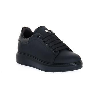 Exton rubber black shoes